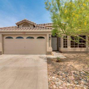 Homes for Sale in Phoenix with a pool under $250,000